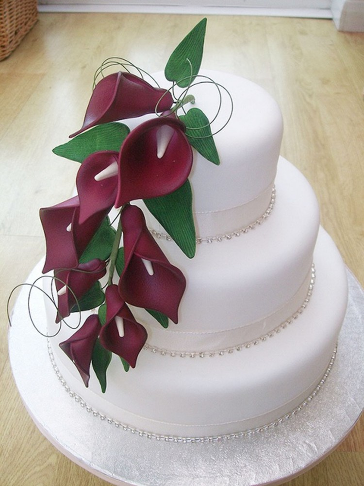 Red Calla Lily Wedding  Cake Design 4 Picture in Wedding Cake