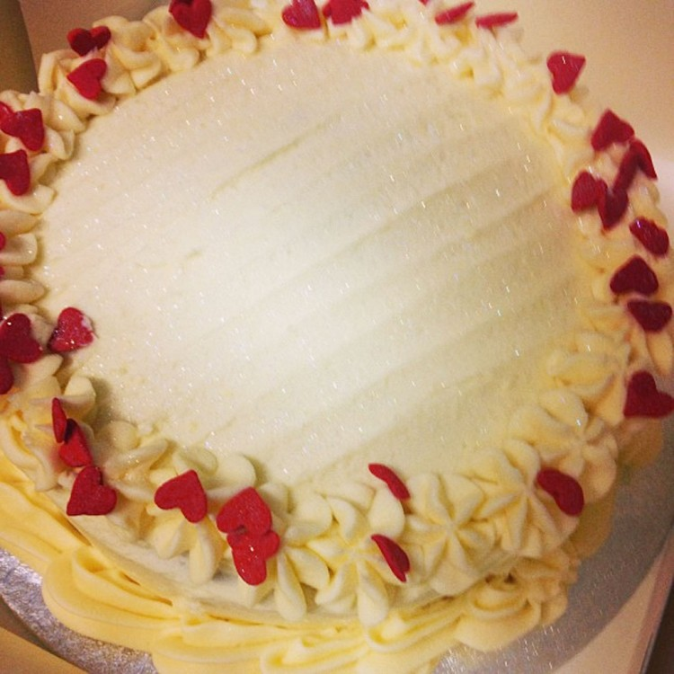 Red Velvet Cake Valentine Day Picture in Valentine Cakes