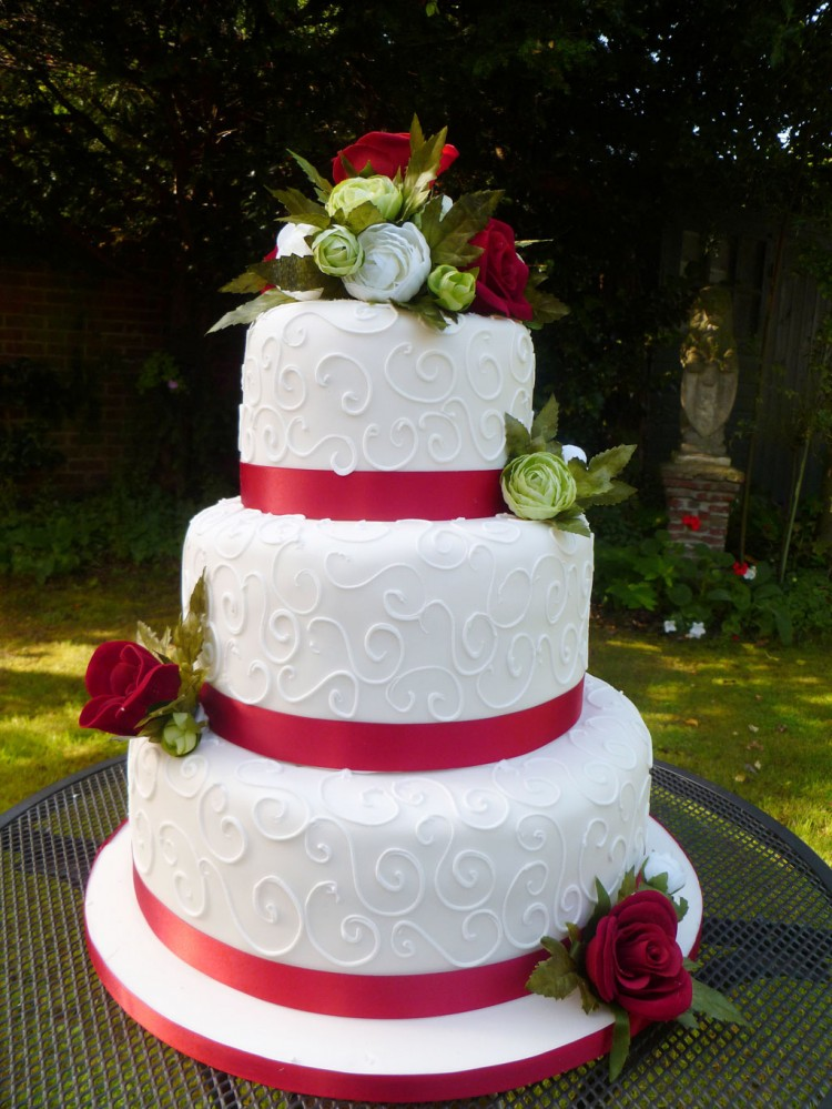 Red Wedding Cakes Images Picture in Wedding Cake