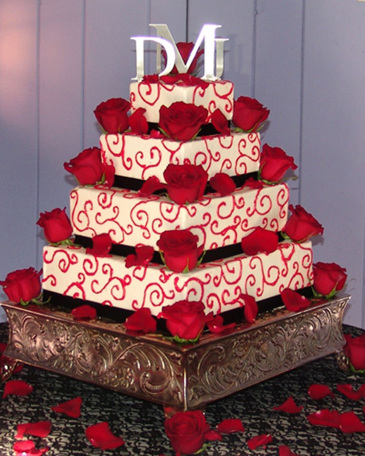 Red Wedding Cakes Theme Picture in Wedding Cake