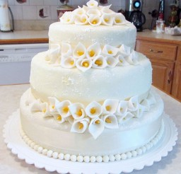 1024x1032px Round Wedding Cakes With Calla Lilies Picture in Wedding Cake