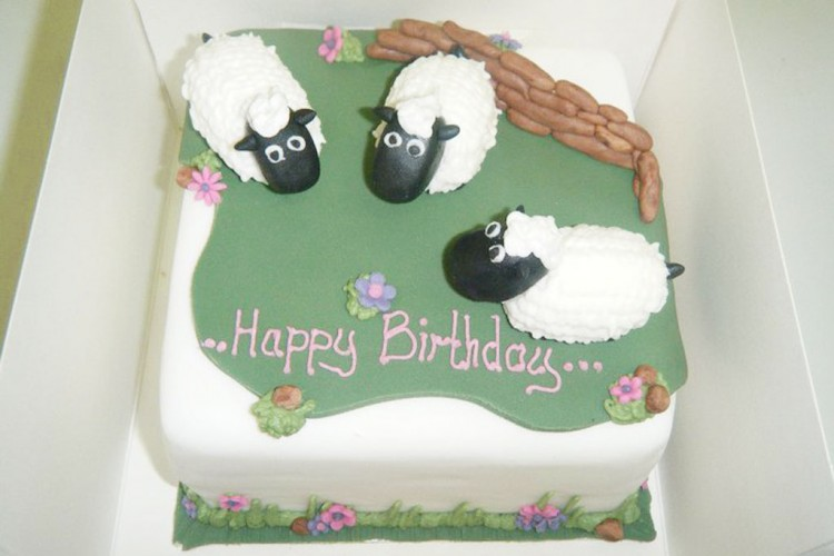 Sheep Birthday Cake Picture in Birthday Cake