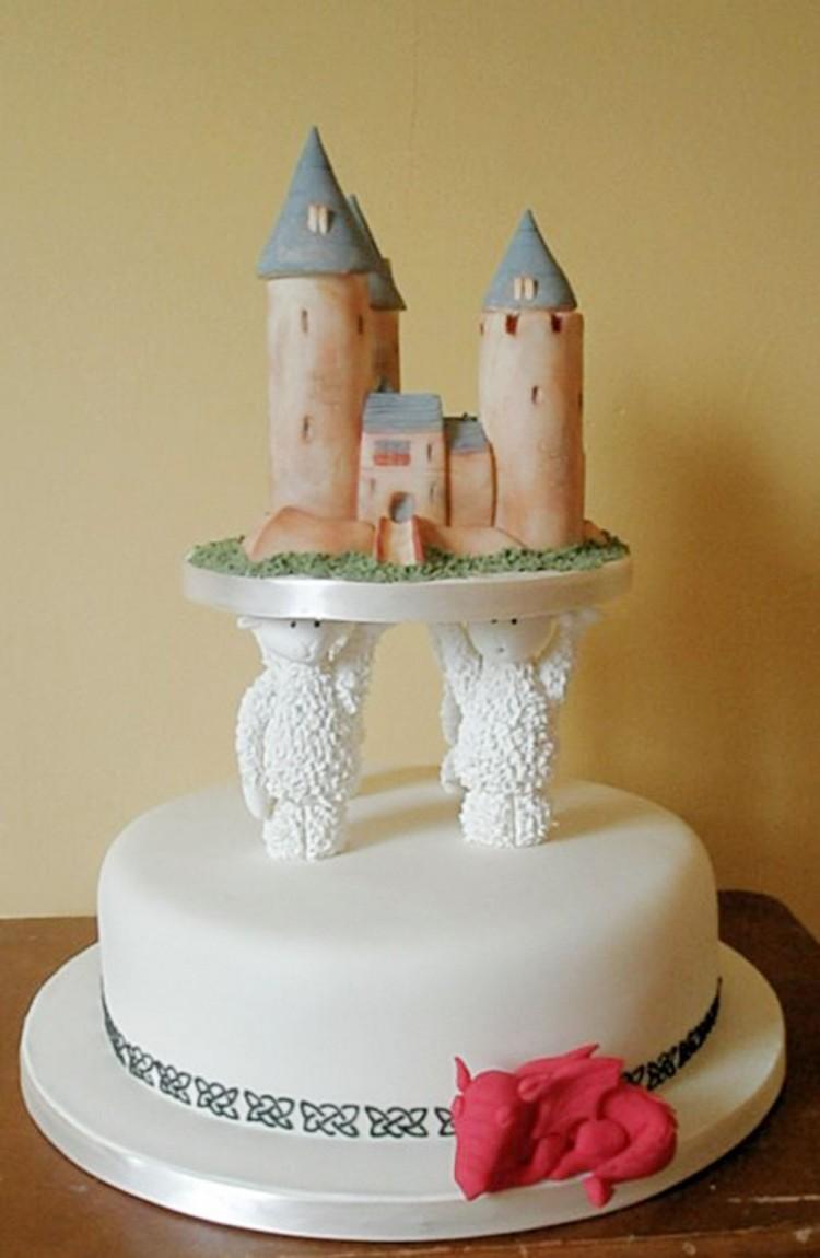Sheep Pillars Wedding Cake Picture in Wedding Cake