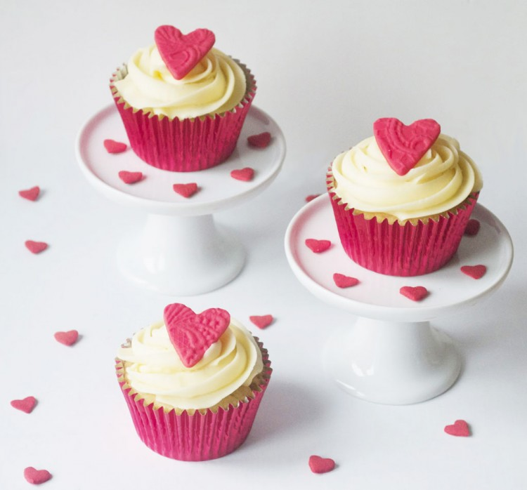 Simple Valentines Cupcakes Picture in Valentine Cakes
