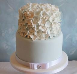 1024x1475px Snowberry Hydrangea Wedding Cake Picture in Wedding Cake