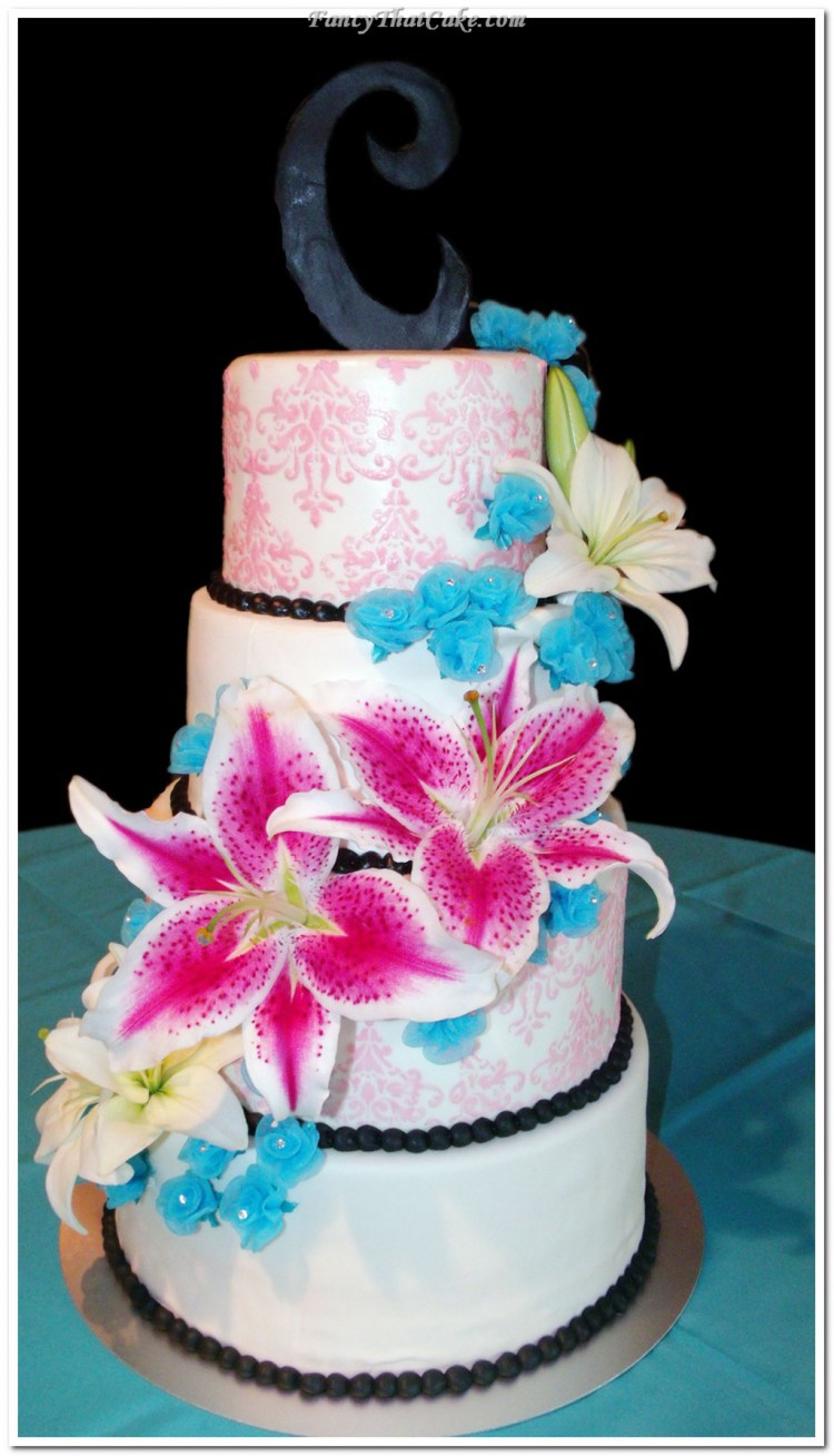 Stargazer Lily Wedding Cake Decoration Picture in Wedding Cake
