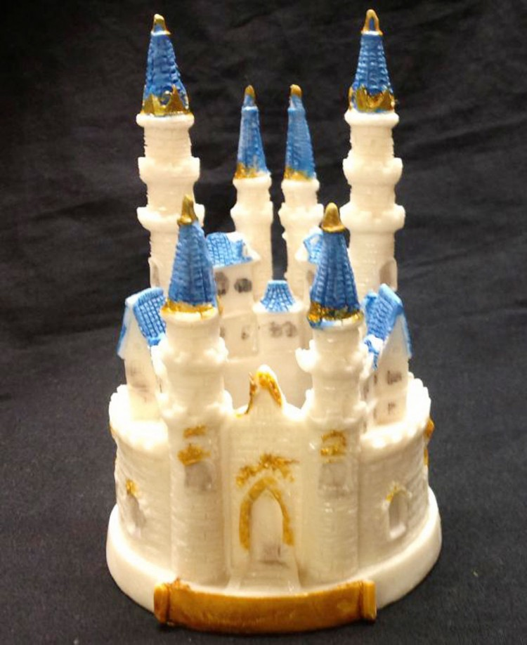 Sweet Cinderella Castle Wedding Picture in Wedding Cake