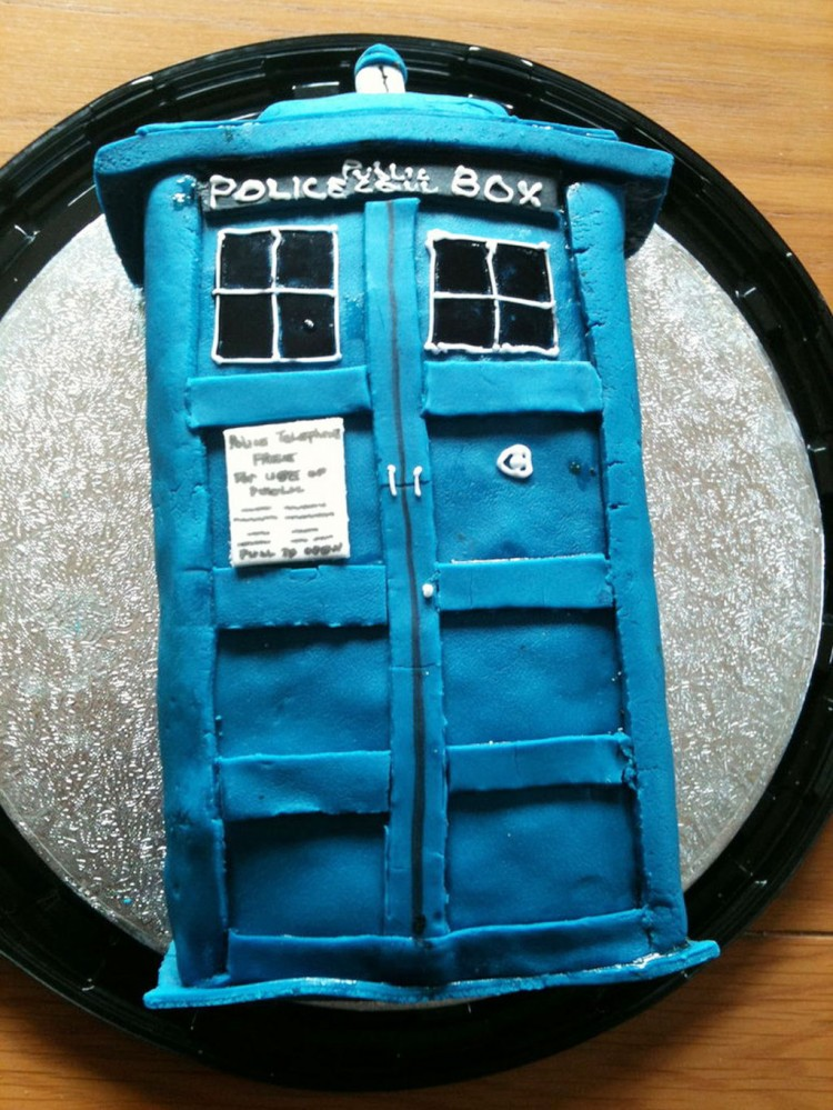 Tardis Birthday Cake Template Picture in Birthday Cake