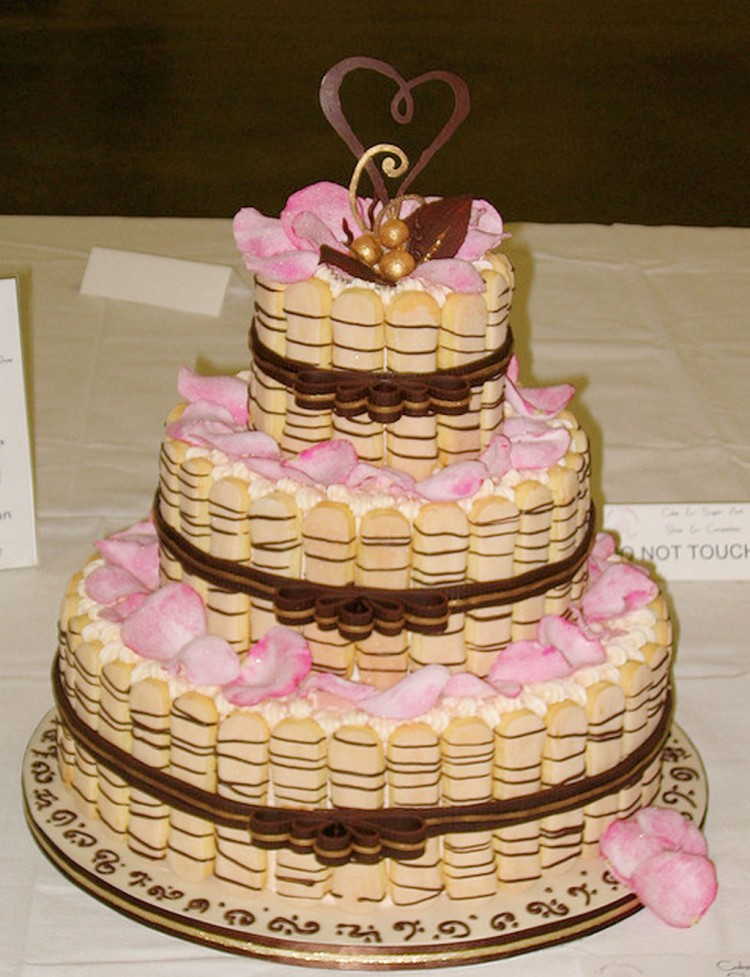 Tiramisu Wedding Cake Decoration 1 Picture in Wedding Cake