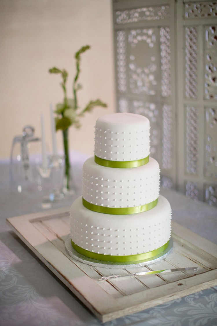 Triple Layer Wedding Cake Design 1 Picture in Wedding Cake