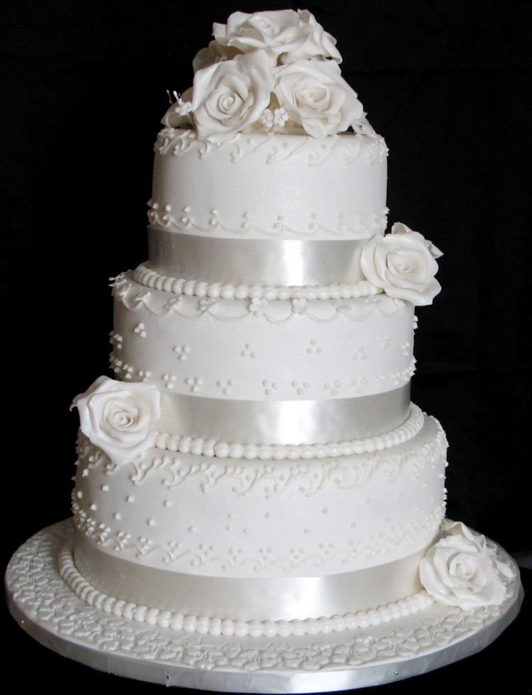 Triple Layer Wedding Cake Design 2 Picture in Wedding Cake