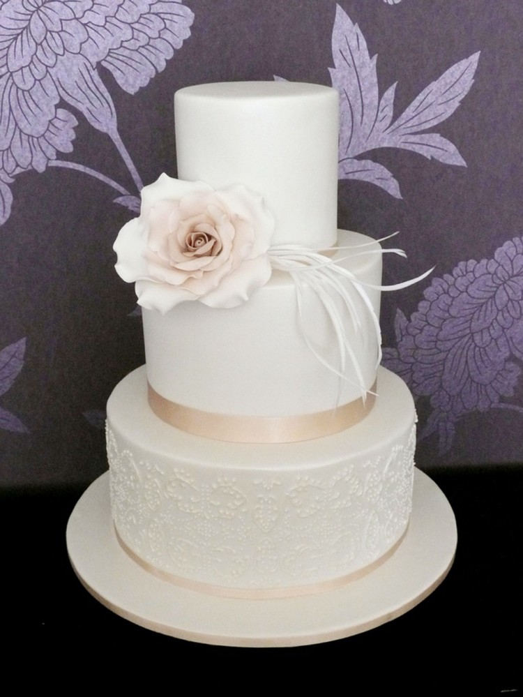 Triple Layer Wedding Cake Design 3 Picture in Wedding Cake
