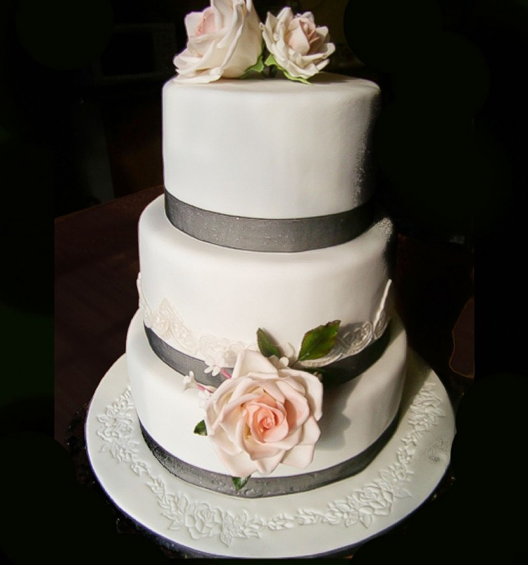 Triple Layer Wedding Cake Design 4 Picture in Wedding Cake