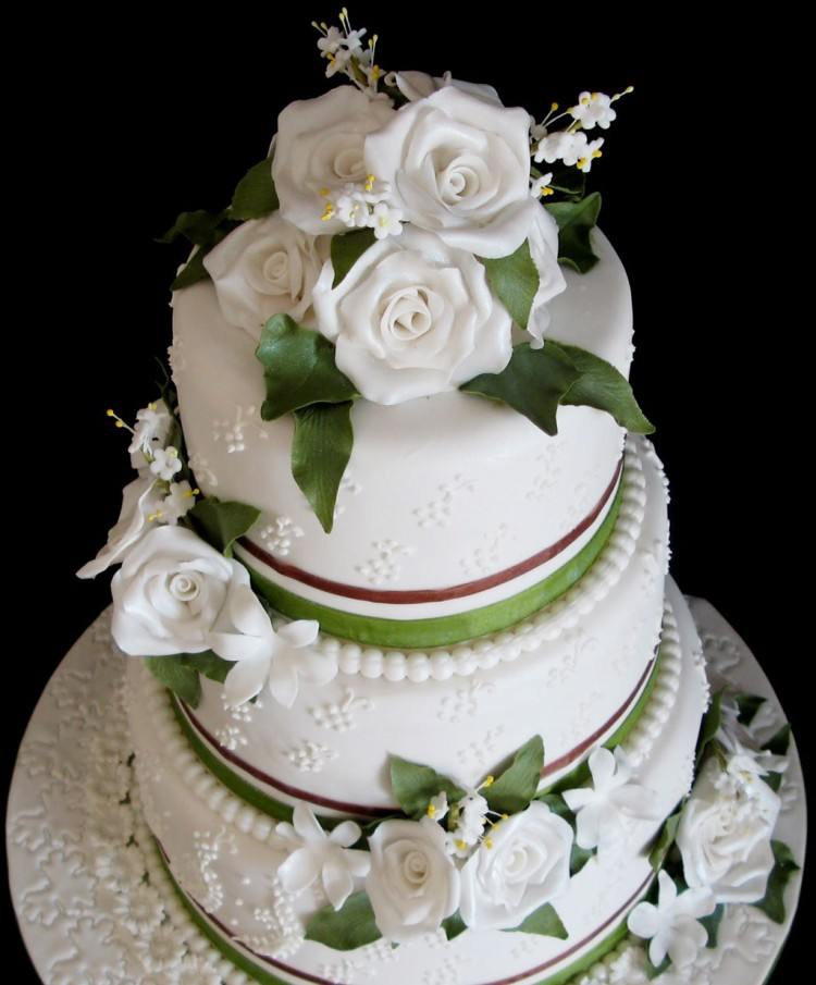 Triple Layer Wedding Cake Design 7 Picture in Wedding Cake