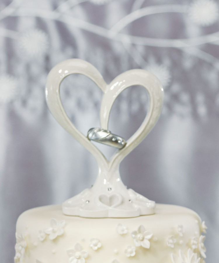 Unique Double Heart Wedding Cake Topper Picture in Wedding Cake