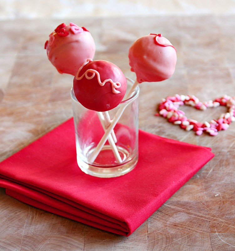 Valentine Cake Pops Picture in Valentine Cakes