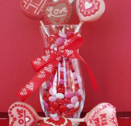 1024x1365px Valentine Cake Pops Pictures Picture in Valentine Cakes