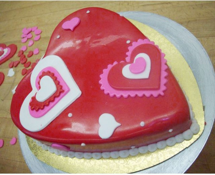 Valentine Heart Shaped Cake Picture in Valentine Cakes
