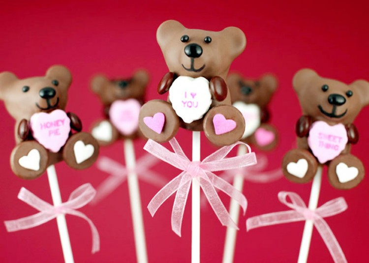 Valentines Bear Cake Pops Picture in Valentine Cakes