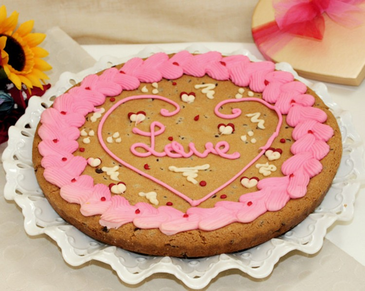 Valentines Day Cookie Cake Picture in Valentine Cakes