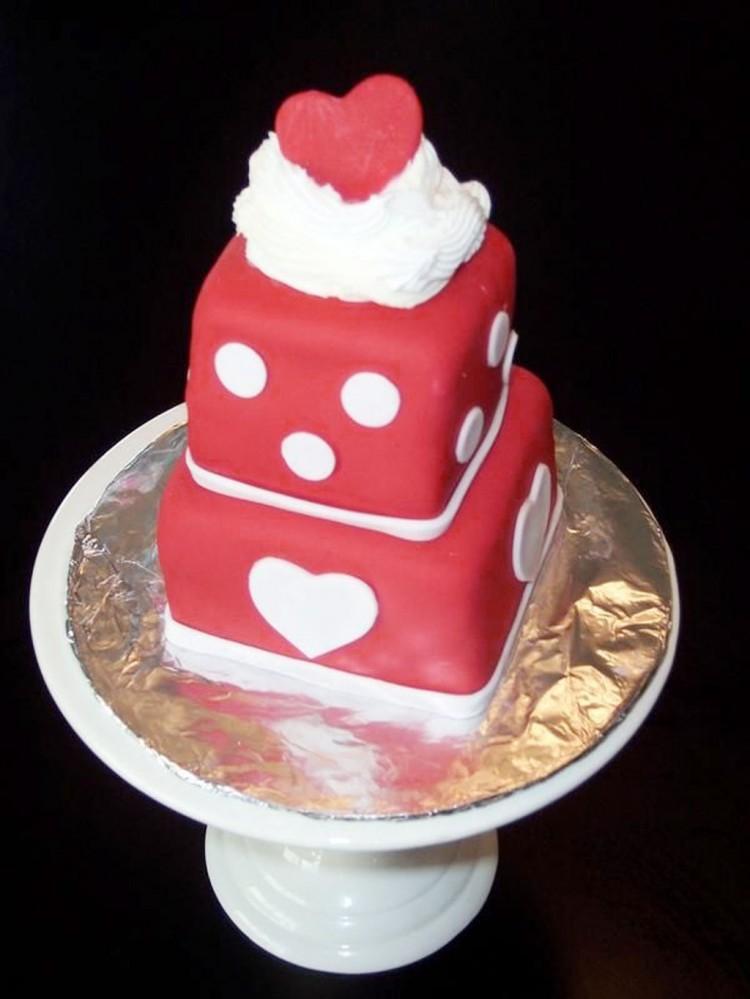 Valentines Day Fondant Mini Cake Picture in Valentine Cakes