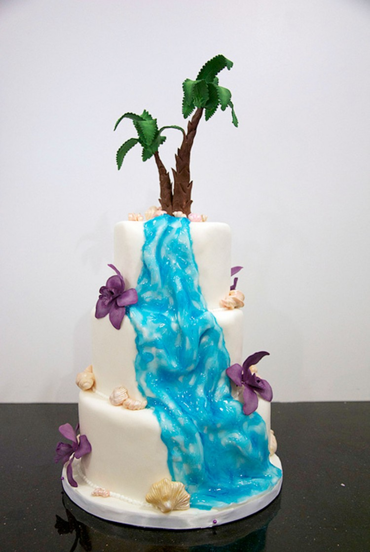 Waterfall Wedding Cakes Pictures Picture in Wedding Cake