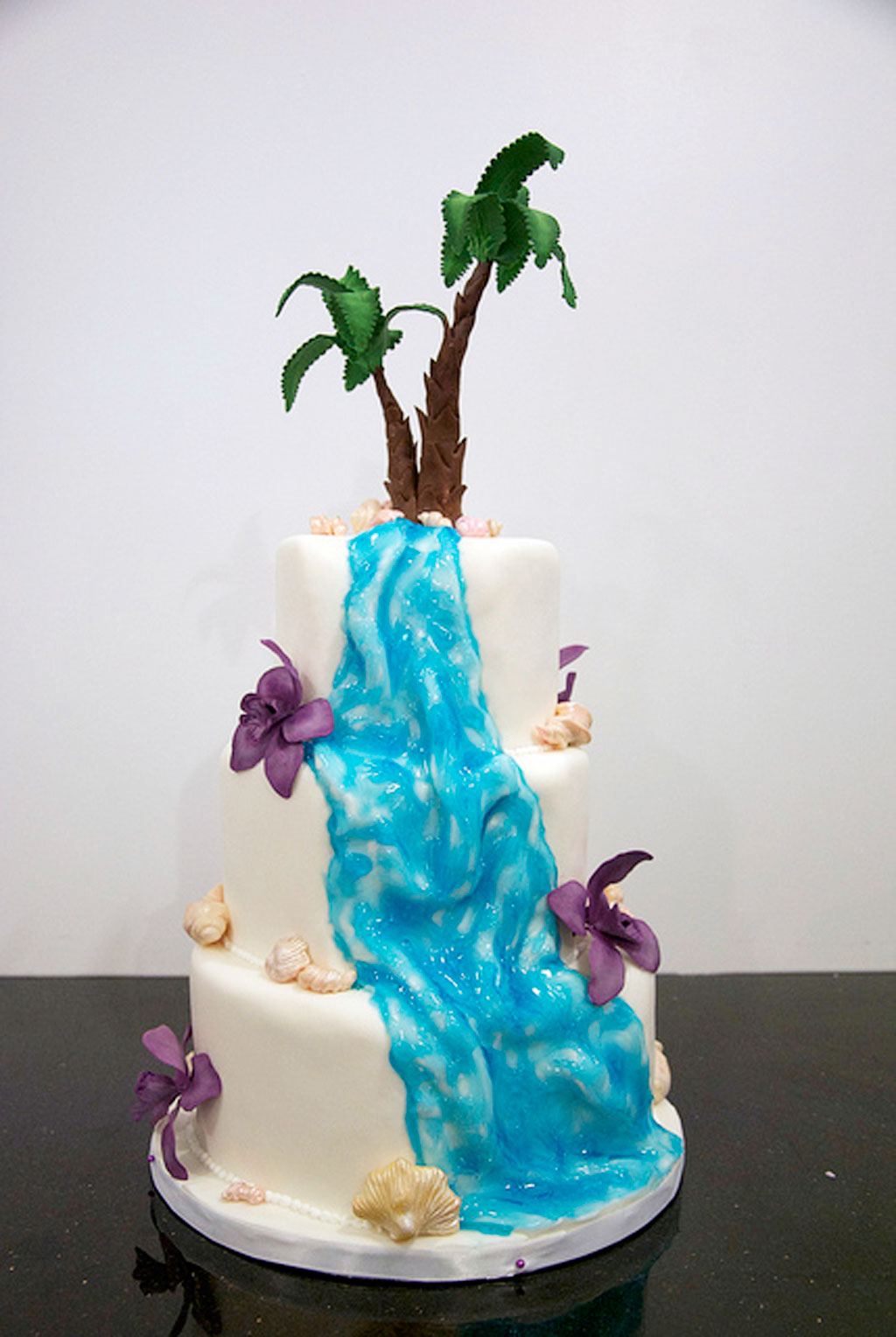 wedding cakes with waterfalls waterfall wedding cakes pictures wedding cake cake ideas 26134