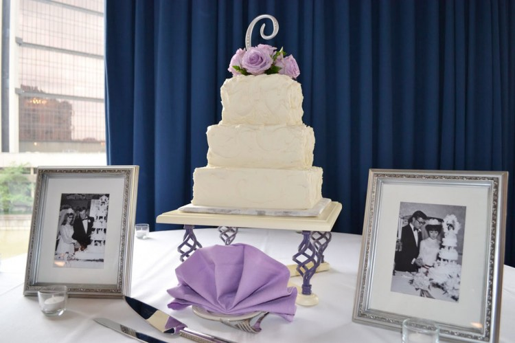 Wedding Cake Bases White Picture in Wedding Cake