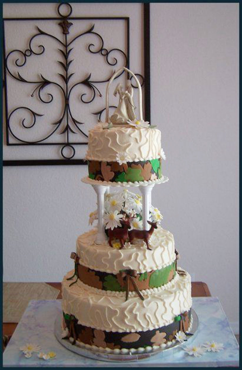 White Camouflage Wedding Cake Picture In