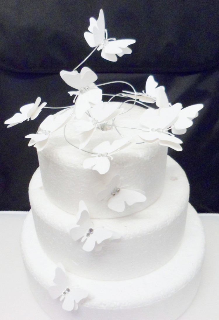 White Butterfly Swirl Wedding Cake Topper Picture in Wedding Cake