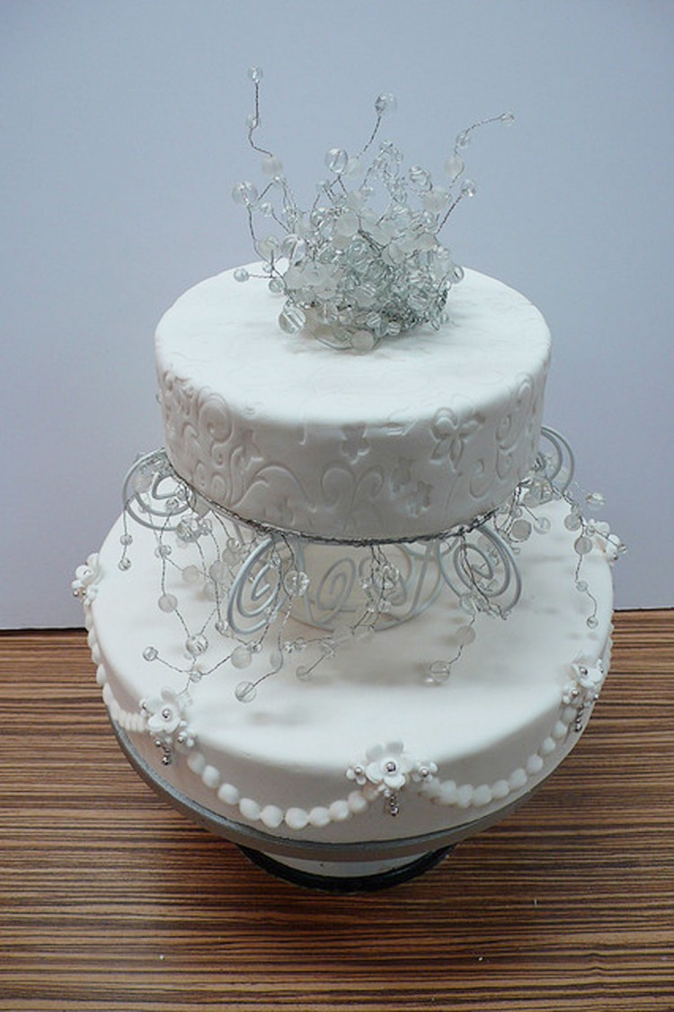 Winter Wonderland Wedding Cake Picture in Wedding Cake