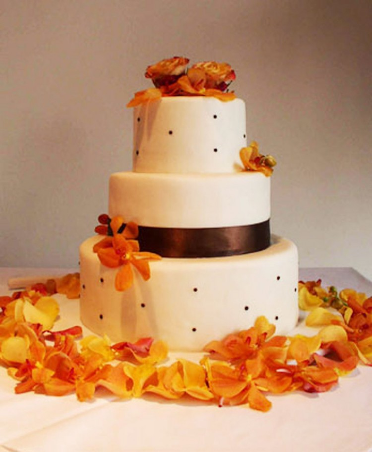 Yellow Orchids Wedding Cake Favors Picture in Wedding Cake