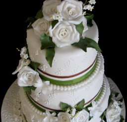 535x646px 3 Tier Cake Prices Picture in Valentine Cakes
