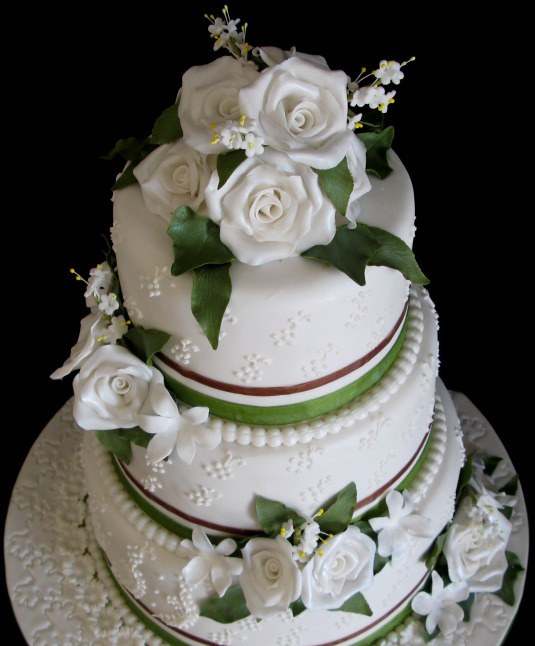 3 Tier Cake Prices Picture in Valentine Cakes
