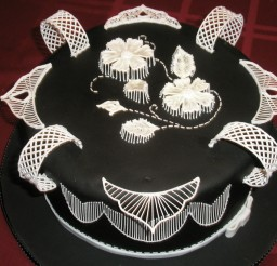900x675px Black Royal Icing Picture in Cake Decor
