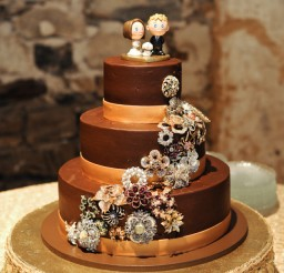 640x961px Brooches For Wedding Cakes Picture in Wedding Cake