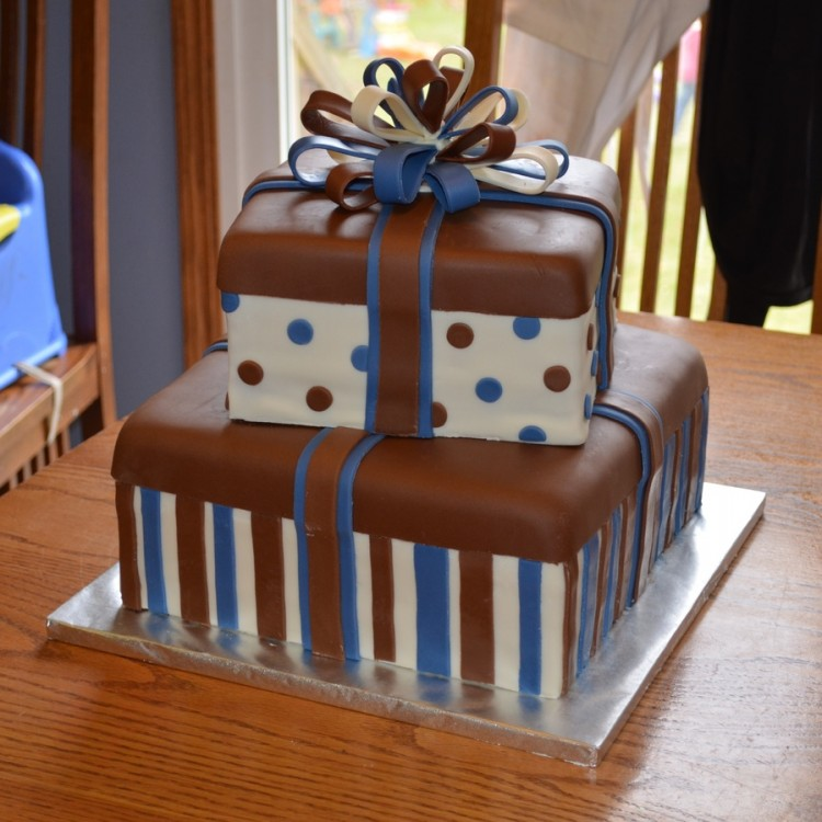 Cake Boxes For Tiered Cakes Picture in Cake Decor