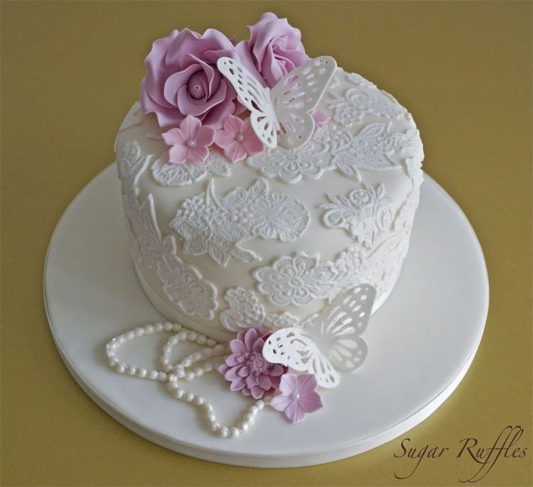Cake Lace Picture in Cake Decor