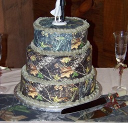 375x500px Camo Cakes Picture in Cake Decor
