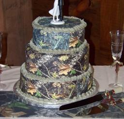 375x500px Camo Cakes Picture in Cake Decor