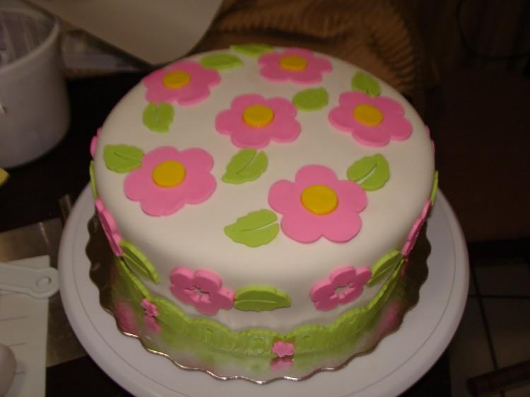 Cricut Cake Mini Picture in Cake Decor