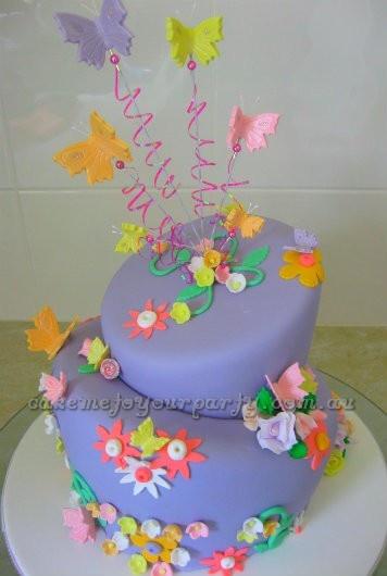 Egg Free Vanilla Cake Picture in Cake Decor