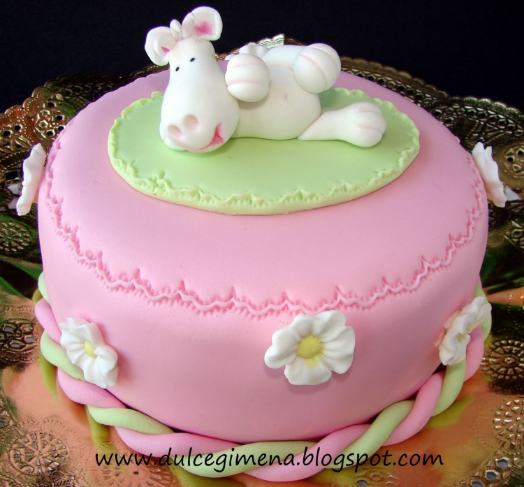 Fondant Cakes For Sale Picture in Cake Decor