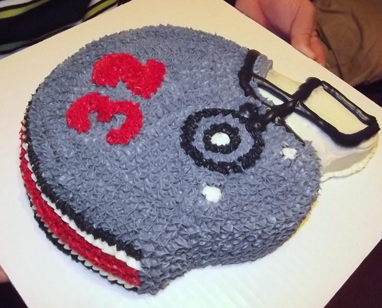 Football Helmet Cake Pan Picture in Cake Decor
