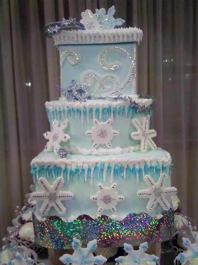 Lady M Wedding Cake Picture in Cake Decor