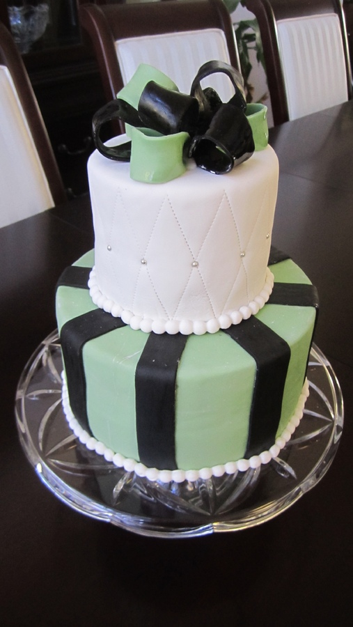 Satin Ice Black Fondant Picture in Cake Decor