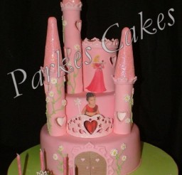 400x600px Sleeping Beauty Castle Cake Picture in Cake Decor