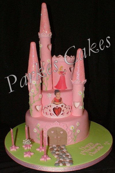 Sleeping Beauty Castle Cake Picture in Cake Decor