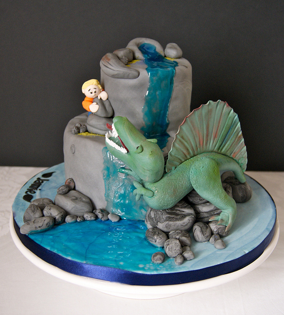 Spinosaurus Cake Picture in Cake Decor