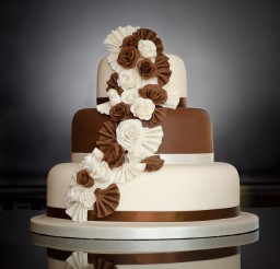 640x640px Three Tier Wedding Cakes Picture in Wedding Cake